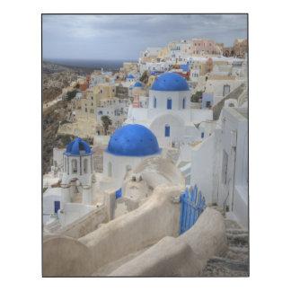 Grecia, Santorini. Campanario y bóvedas azules Impresión En Madera
