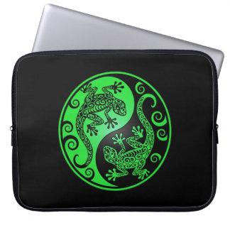 Green and Black Yin Yang Geckos Computer Sleeve