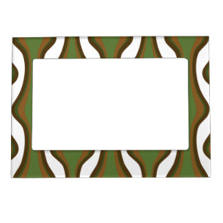 Green and brown vertical waves magnetic photo frame