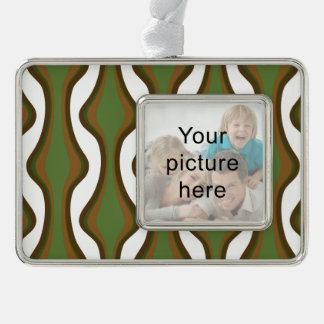 Green and brown vertical waves ornament