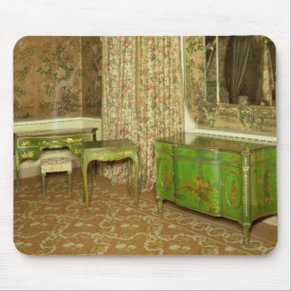 Green and gold lacquer furniture in the state mouse pad