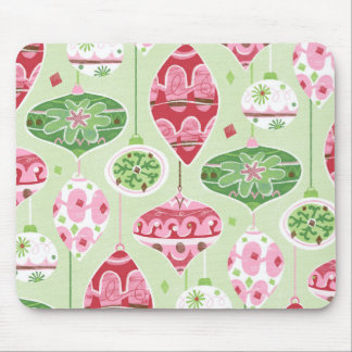 Green and Red Pattern of Retro Christmas Ornaments Mouse Pad