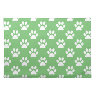 Green and white paws pattern placemat