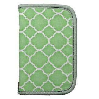 Green and White Quatrefoil Pattern Planner