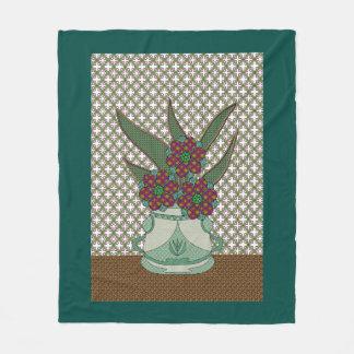Green Appliqué Flowers Lattice Background Fleece Blanket