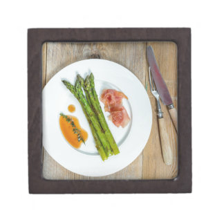 Green asparagus with ham and sauce gift box