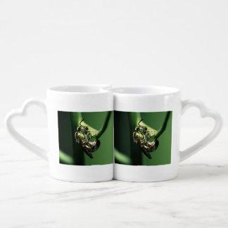 green bee couples coffee mug