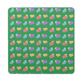Green cake pattern puzzle coaster