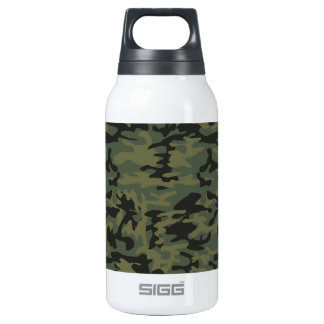 Green camo pattern insulated water bottle