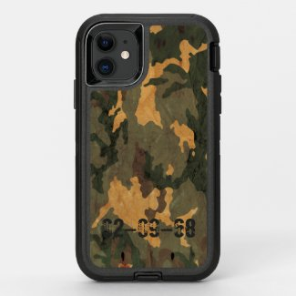 Green camouflage pattern vintage 2020 OtterBox defender iPhone 11 case