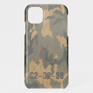 Green camouflage pattern vintage 2020 iPhone 11 case
