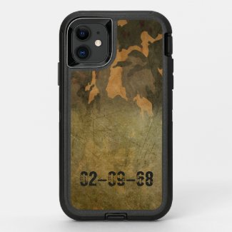 Green camouflage pattern vintage V2.0 OtterBox Defender iPhone 11 Case
