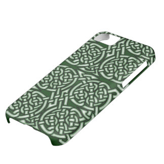 Green Celtic knotwork art iPhone 5C Cover