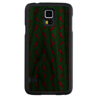 Green chili peppers pattern carved® walnut galaxy s5 slim case