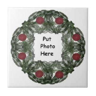 Green Christmas Wreath Photo Frame Tile