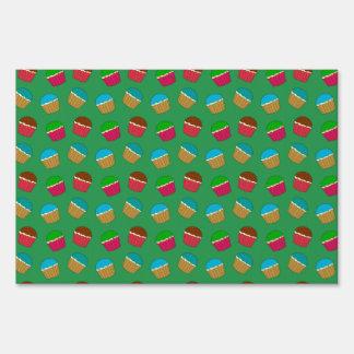 Green cupcake pattern lawn sign