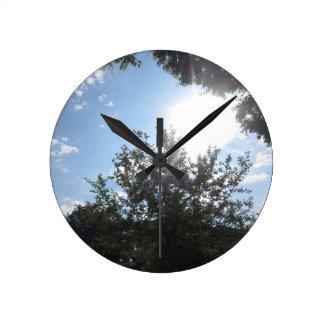 Green Earth Sky NewJersey CherryHill USA NVN685 FU Round Wallclock