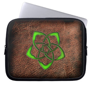 Green enamel celtic knot flower on geniune leather laptop sleeve