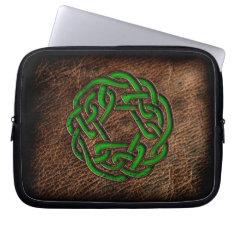 Green enamel celtic knot on geniune leather laptop sleeves