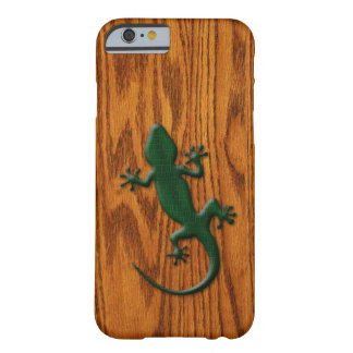 Green Gecko Lizard on Wood Look Barely There iPhone 6 Case