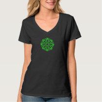 Green Geometric knotwork design 3 T-Shirt