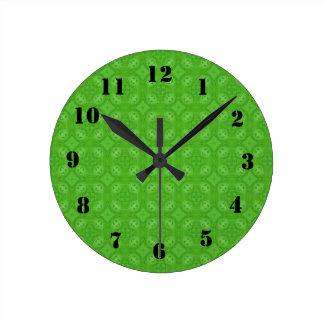 Green geometric wood pattern round wallclocks