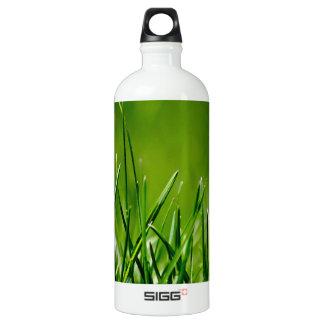 Green grass aluminum water bottle