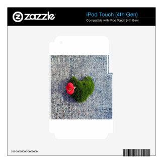Green heart iPod touch 4G skin