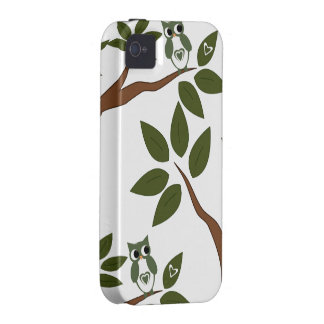 Green Love Owl In Tree Case For The iPhone 4