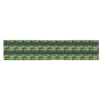 Green macro short table runner