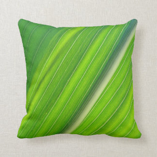 Green MoJo Dekokissen Throw Pillow