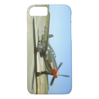 Green P51 Mustang Taxiing_WWII Planes iPhone 8/7 Case