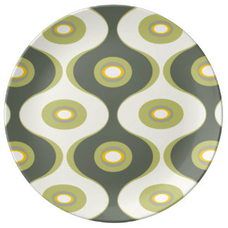 Green retro curves and ovals dinner plate