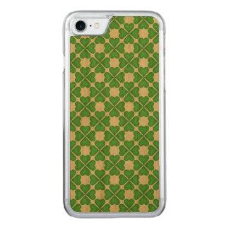 Green Shamrock Four leaf Clover Hearts pattern Carved iPhone 8/7 Case