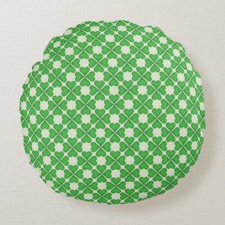 Green Shamrock Four leaf Clover Hearts pattern Round Pillow