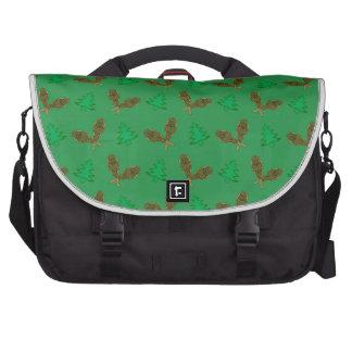 Green snowshoe pattern laptop bag
