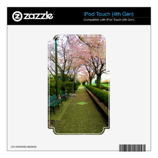 Green Walk Skins For iPod Touch 4G