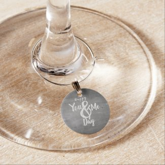 Greetings anniversary in chalkboard look wine charm
