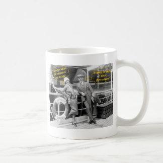 Greta Garbo y campesinos más inmóviles de Mauritz Taza De Café
