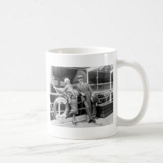 Greta Garbo y Mauritz un 1925 más inmóvil Taza De Café