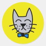 Grey graffiti cat face classic round sticker