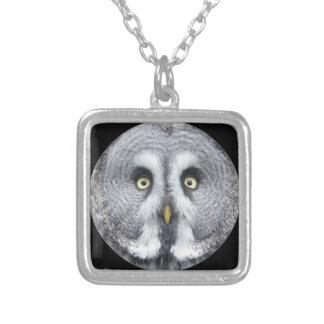 """""""Grey Owl"""" design jewelry set"""