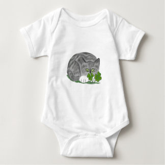 Grey Tiger Kitten Finds a Four Leaf Clover T-shirts