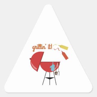 Grillin él calcomania de trianguladas