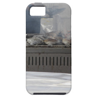 Grilling fish outdoors iPhone SE/5/5s case