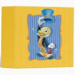 Grillo de Jiminy que levanta su gorra