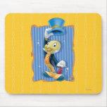Grillo de Jiminy que levanta su gorra Tapete De Raton