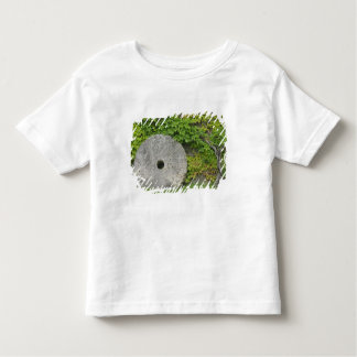 Grinding stone, Castle Banfi in Tuscany region, Toddler T-shirt