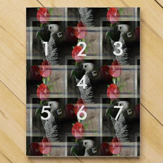Gris africano y rosas rojos