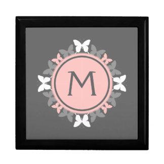 Gris blanco del rosa color de rosa del monograma cajas de recuerdo